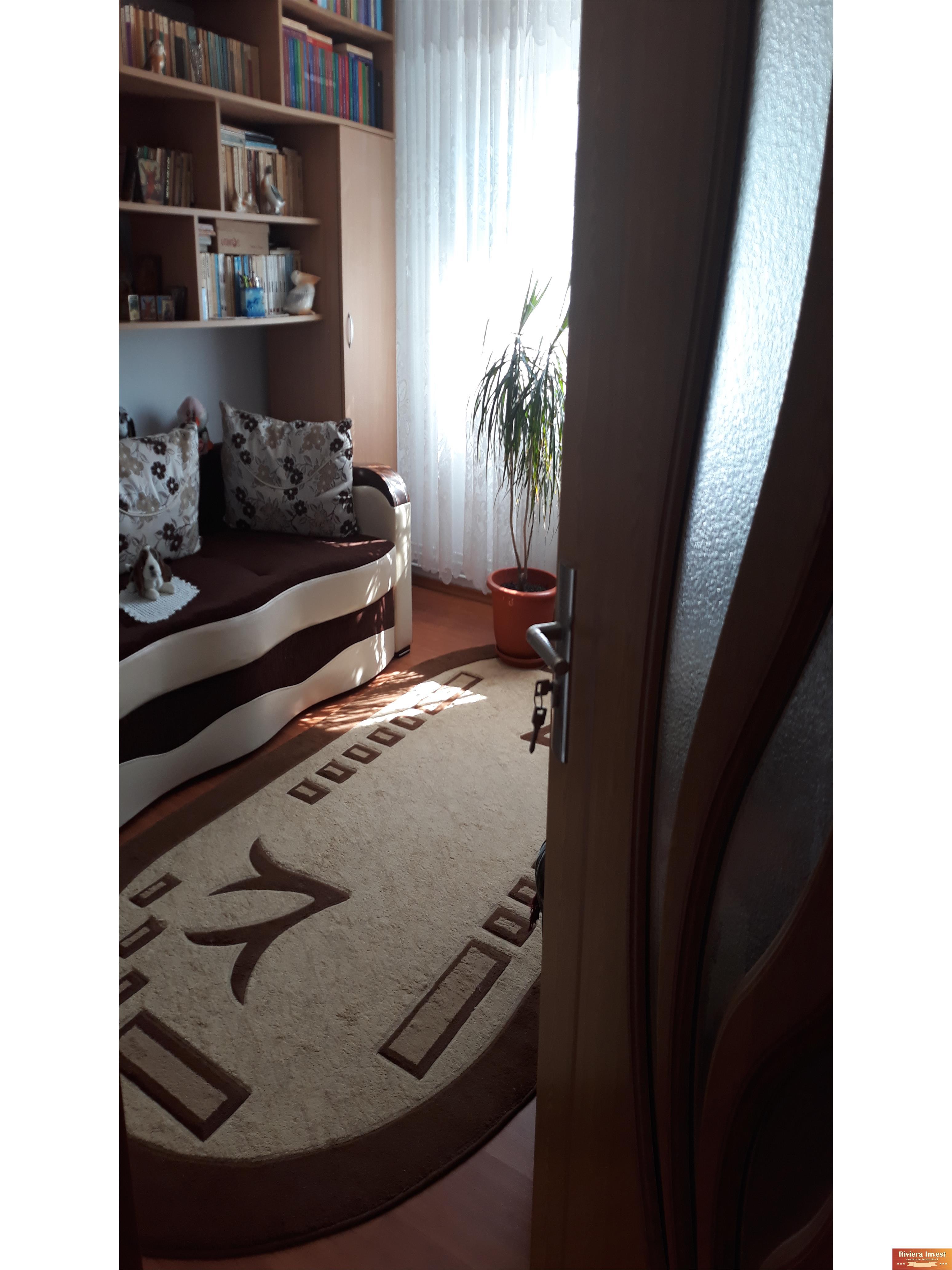 De vânzare apartament cu 3 camere in Navodari,zona Culturii.