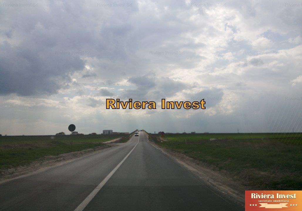 CumpanaLa intrareZona MovilaTeren 10.000mp